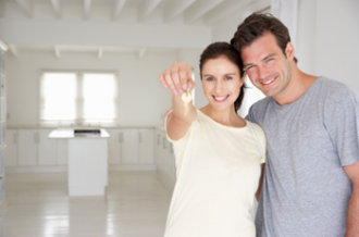 new-homeowners-with-keys